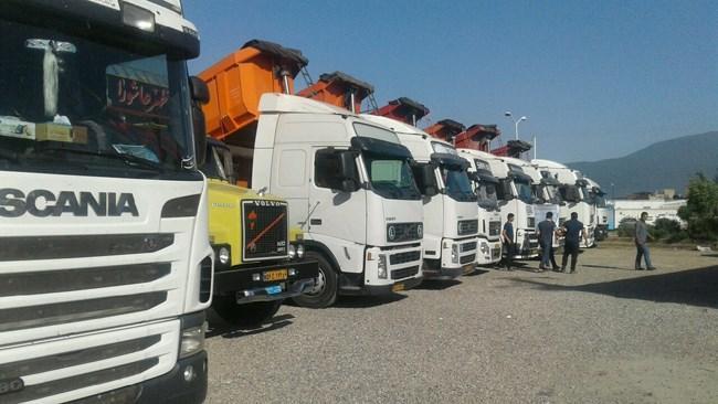 2000 کامیون معطل در گمرک ترخیص شود