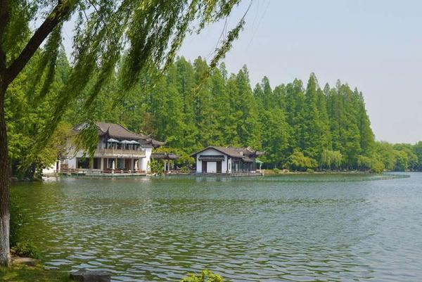 افسون دریاچه غربی در هانگزو