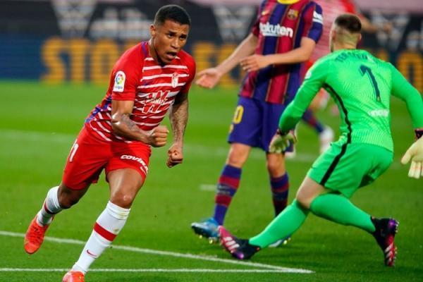 (ویدیو) خلاصه بازی بارسلونا 1 - 2 گرانادا 9 اردیبهشت 00