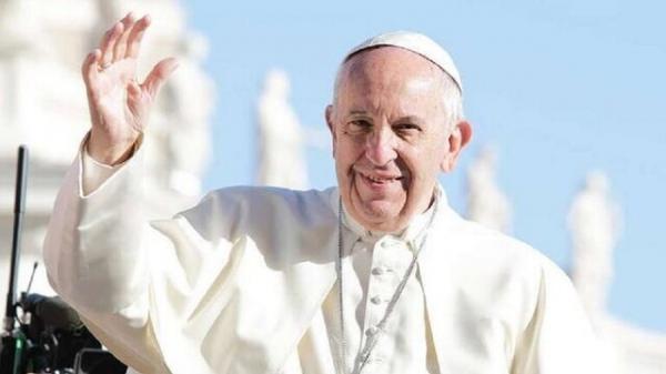 پاپ: صلیب پرچم نیست که آن را تکان دهید